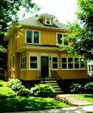 σπίτι κίτρινο Στοκ Εικόνες