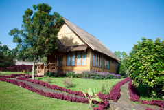 Σπίτι και κήπος Thatch στοκ φωτογραφία