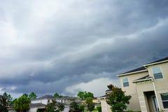 Σπίτι και καταιγίδα στοκ εικόνες