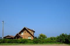 Σπίτι και ουρανός Στοκ εικόνα με δικαίωμα ελεύθερης χρήσης