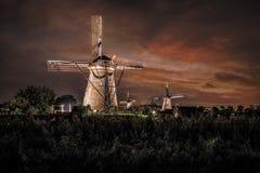 Σπίτι και ο γιγαντιαίος Ολλανδός τη νύχτα στοκ εικόνες