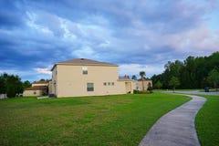 Σπίτι και σύννεφο της Φλώριδας Στοκ φωτογραφίες με δικαίωμα ελεύθερης χρήσης