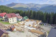 σπίτι κατασκευής κάτω από ξ Στοκ φωτογραφία με δικαίωμα ελεύθερης χρήσης