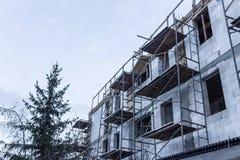 σπίτι κατασκευής κατοι&ka Στοκ εικόνα με δικαίωμα ελεύθερης χρήσης