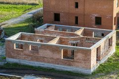 σπίτι κατασκευής νέο Τουβλότοιχοι Στοκ φωτογραφίες με δικαίωμα ελεύθερης χρήσης