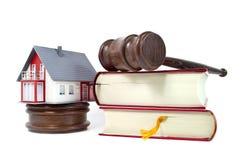 Σπίτι με ένα αμμοχάλικο και έναν κώδικα στοκ φωτογραφία με δικαίωμα ελεύθερης χρήσης