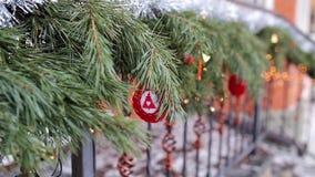 Σπίτι με τις διακοσμήσεις Χριστουγέννων απόθεμα βίντεο