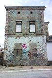 Σπίτι με τις τρύπες από σφαίρα στοκ φωτογραφίες με δικαίωμα ελεύθερης χρήσης