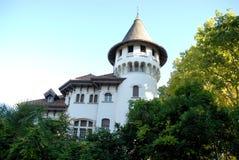 Σπίτι με το μεσαιωνικό πλαίσιο πύργων με τα φύλλα και ουρανός στο Treviso στο Βένετο (Ιταλία) στοκ εικόνες με δικαίωμα ελεύθερης χρήσης