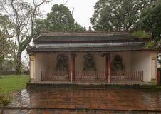 Σπίτι με τρία αγάλματα, παγόδα Chua Thien MU στο χρώμα, Βιετνάμ στοκ φωτογραφία