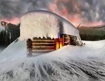 Σπίτι νεράιδων στα βουνά Στοκ φωτογραφία με δικαίωμα ελεύθερης χρήσης