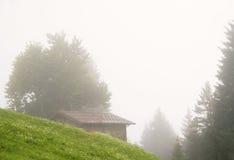 σπίτι ομίχλης Στοκ φωτογραφία με δικαίωμα ελεύθερης χρήσης