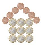 Σπίτι που γίνεται από τα ευρωπαϊκά νομίσματα στοκ φωτογραφίες με δικαίωμα ελεύθερης χρήσης