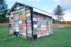 Σπίτι που γίνεται από τις πινακίδες αριθμού κυκλοφορίας Στοκ εικόνες με δικαίωμα ελεύθερης χρήσης