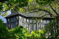 σπίτι που εφοδιάζεται μ&epsilon Στοκ Εικόνες