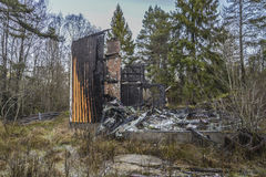 Σπίτι που καίγεται στο έδαφος Στοκ Φωτογραφία