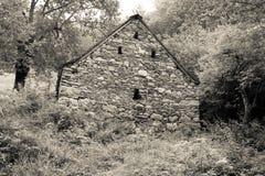 Σπίτι που χτίζεται παλαιό της πέτρας στο τοπίο Στοκ Εικόνες