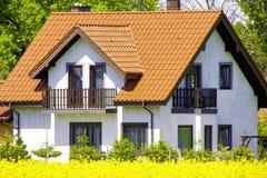 σπίτι προαστιακό Στοκ Εικόνες