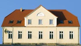 σπίτι προσόψεων Στοκ εικόνα με δικαίωμα ελεύθερης χρήσης