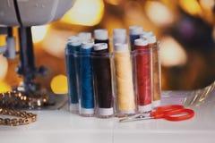 Σπίτι σειρών εξαρτημάτων ράβοντας μηχανών Στοκ φωτογραφία με δικαίωμα ελεύθερης χρήσης