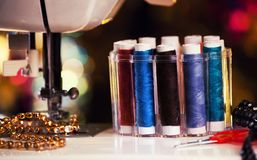 Σπίτι σειρών εξαρτημάτων ράβοντας μηχανών Στοκ φωτογραφίες με δικαίωμα ελεύθερης χρήσης