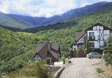Σπίτι στα βουνά. Στοκ Φωτογραφίες