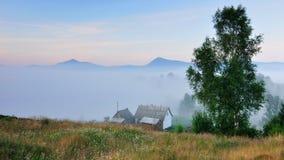 Σπίτι στα βουνά Στοκ εικόνα με δικαίωμα ελεύθερης χρήσης