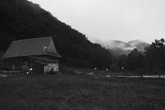 Σπίτι στα βουνά στοκ φωτογραφίες