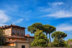 Σπίτι στο τετράγωνο των θαυμάτων, dei Miracoli, Πίζα, Ιταλία πλατειών Στοκ Φωτογραφία