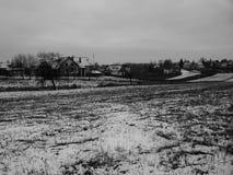 Σπίτι στο χειμερινό τοπίο στοκ εικόνα