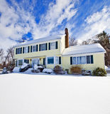 Σπίτι στο χιόνι στοκ εικόνες