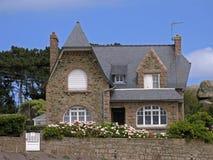 σπίτι της Βρετάνης Γαλλία ploumanach κατοικημένο Στοκ Φωτογραφία