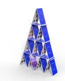 Σπίτι της ΕΕ των καρτών στο χείλο για να καταρρεύσει Στοκ φωτογραφίες με δικαίωμα ελεύθερης χρήσης