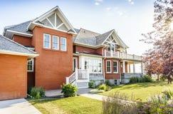 Σπίτι τούβλου πολυτέλειας, Καναδάς στοκ εικόνα