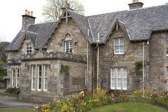 Σπίτι φέουδων με τη στέγη πλακών - Σκωτία στοκ φωτογραφία
