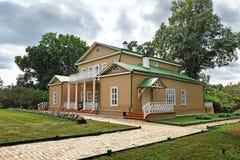 Σπίτι φέουδων στο κτήμα Tarkhany Lermontov Στοκ φωτογραφία με δικαίωμα ελεύθερης χρήσης