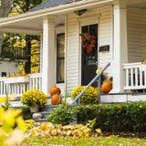 Σπίτι φθινοπώρου στοκ φωτογραφίες