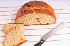 σπίτι ψωμιού που γίνεται στοκ εικόνα
