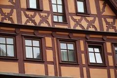 Σπίτι ύφους Tudor Στοκ φωτογραφία με δικαίωμα ελεύθερης χρήσης