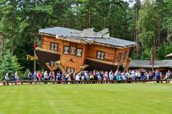Σπίτι Szymbark στη στέγη στοκ εικόνες