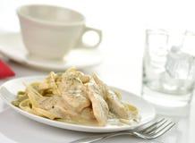 σπανάκι ζυμαρικών κοτόπο&upsilon Στοκ Φωτογραφία