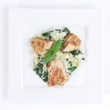 σπανάκι πιάτων 4 κοτόπουλο&u Στοκ Φωτογραφία
