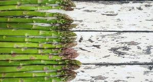 Σπαράγγι σπαράγγι φρέσκο Πράσινο σπαράγγι σπαράγγι ακατέργαστο Στοκ Εικόνες