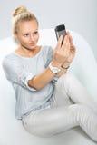 σπασιμάτων κλήσης καφέ τηλεφωνικός χρόνος γραφείων ημέρας σκληρός στην εργασία Στοκ φωτογραφίες με δικαίωμα ελεύθερης χρήσης