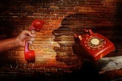 σπασιμάτων κλήσης καφέ τηλεφωνικός χρόνος γραφείων ημέρας σκληρός στην εργασία στοκ εικόνες με δικαίωμα ελεύθερης χρήσης