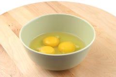 σπασμένα αυγά δύο Στοκ φωτογραφία με δικαίωμα ελεύθερης χρήσης