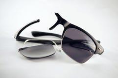 Σπασμένα γυαλιά που πρέπει να επισκευαστούν Στοκ Φωτογραφίες