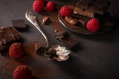 Σπασμένα κομμάτια σοκολάτας Στοκ φωτογραφία με δικαίωμα ελεύθερης χρήσης