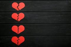 Σπασμένες κόκκινες καρδιές στοκ φωτογραφία με δικαίωμα ελεύθερης χρήσης