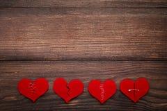 Σπασμένες κόκκινες καρδιές Στοκ Εικόνες